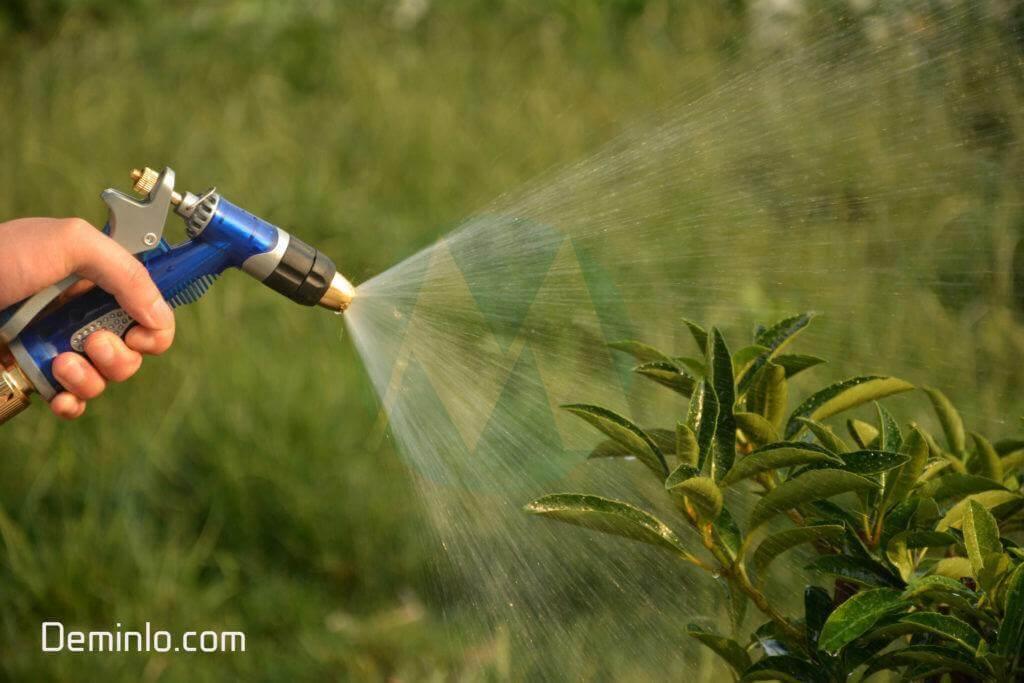 Vòi tưới cây siêu bền bằng đồng thiết kế dạng súng