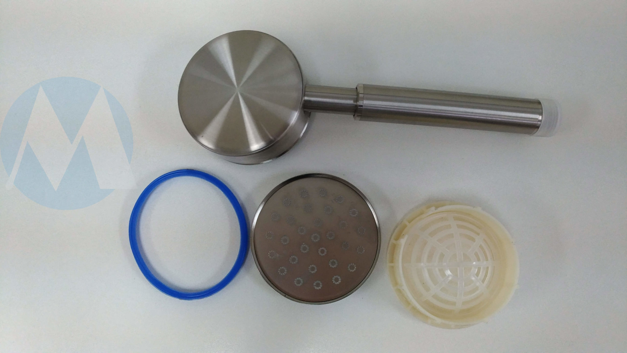 Dễ dàng tháo nắp và bộ lọc vòi sen tăng áp inox 304